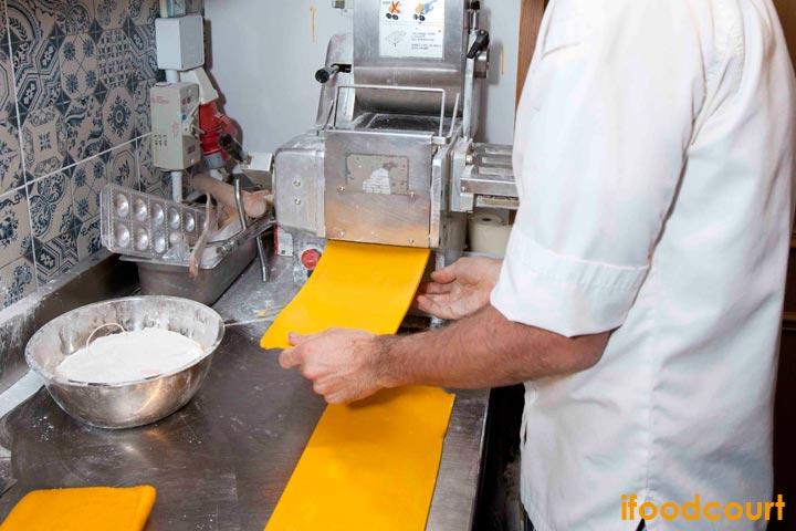 餐廳的手造麵條